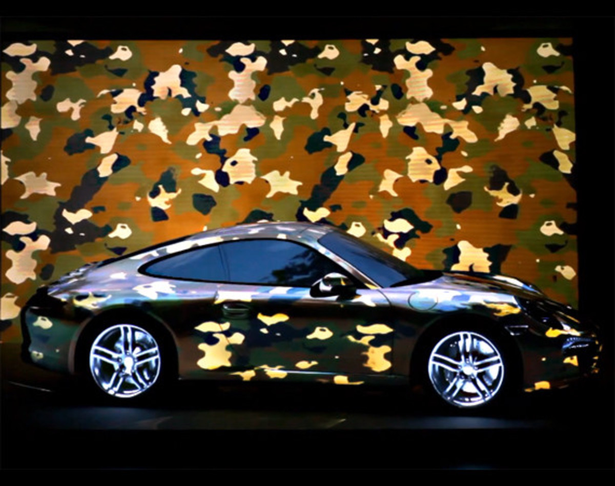 porsche-911-projection-motionless-driving-video