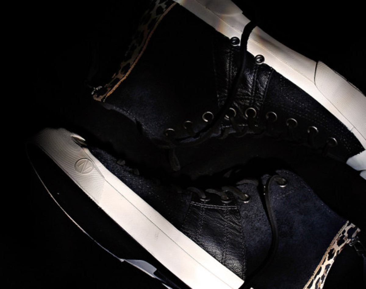invincible-x-converse-first-string-jack-purcell-johnny-05