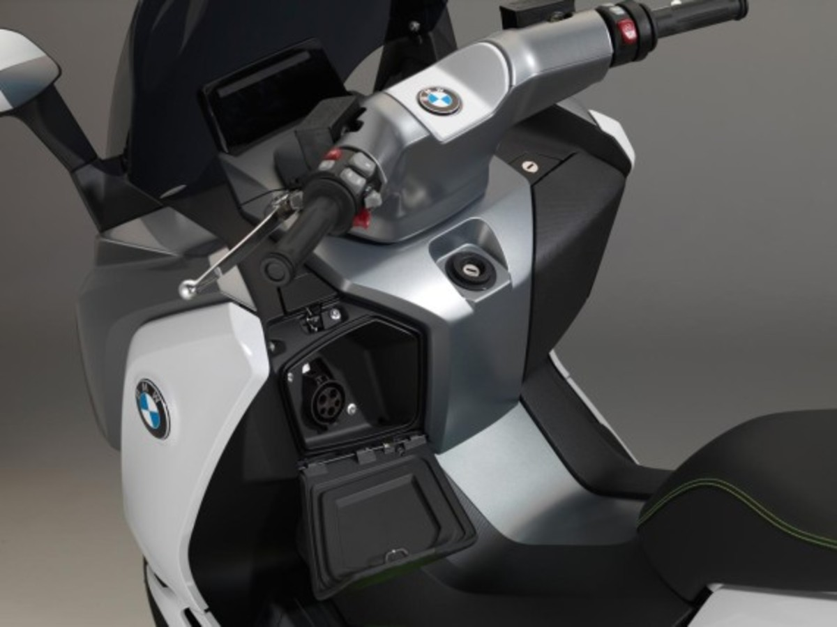 bmw-c-evolution-electric-scooter-05