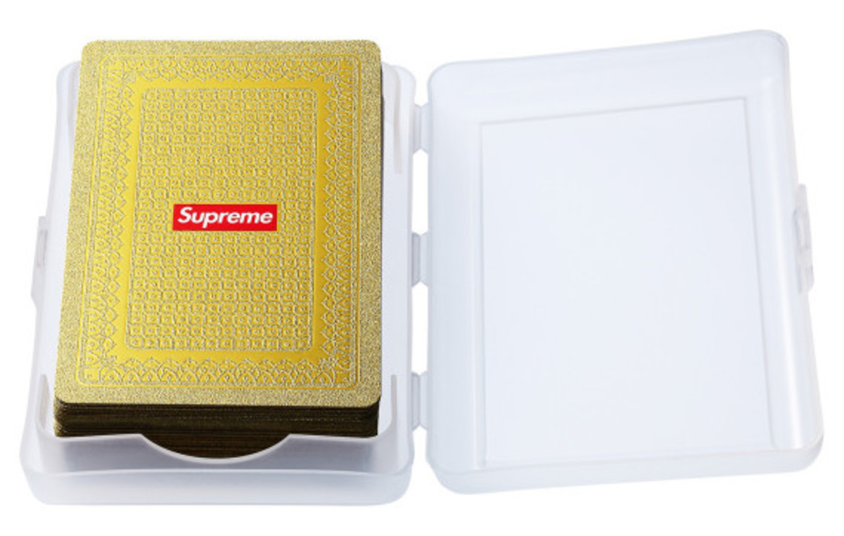 supreme-gold-deck-of-cards-03