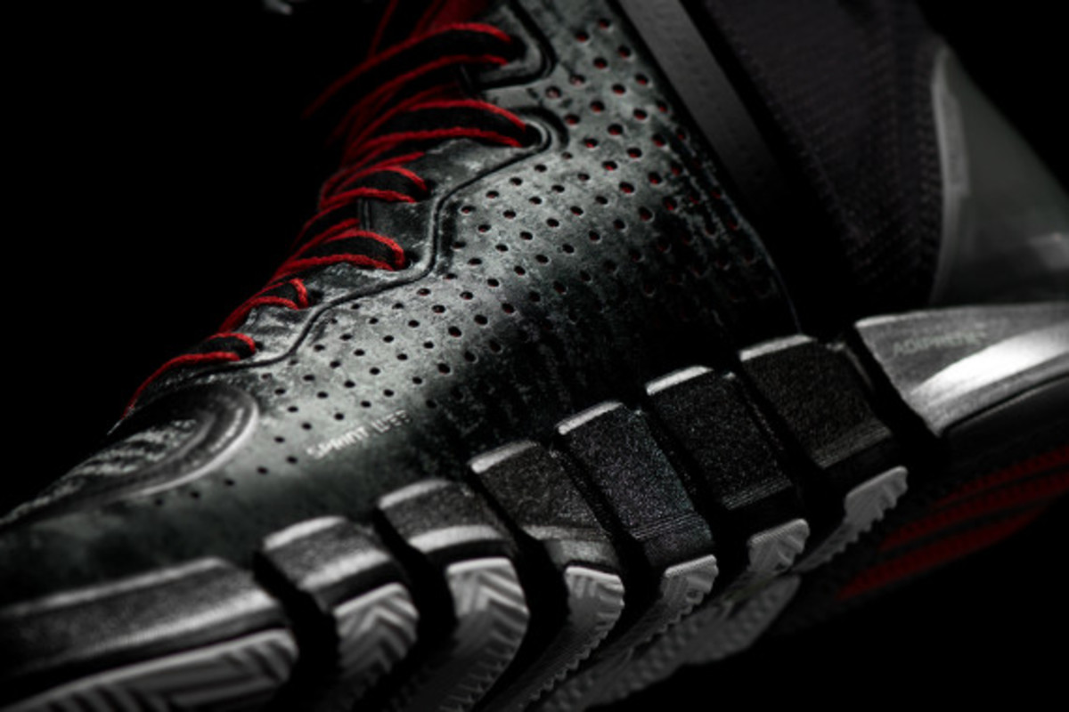 adidas-d-rose-4-and-apparel-collection-unveiled-16