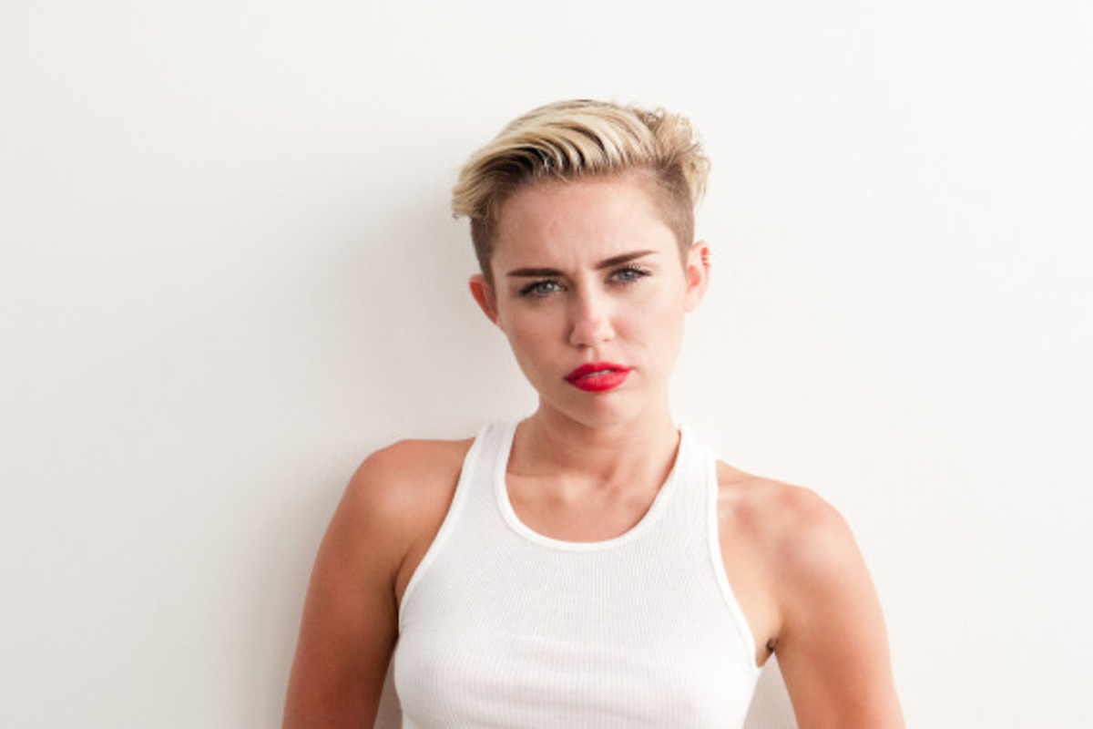 terry-richardson-photographs-miley-cyrus-again-08
