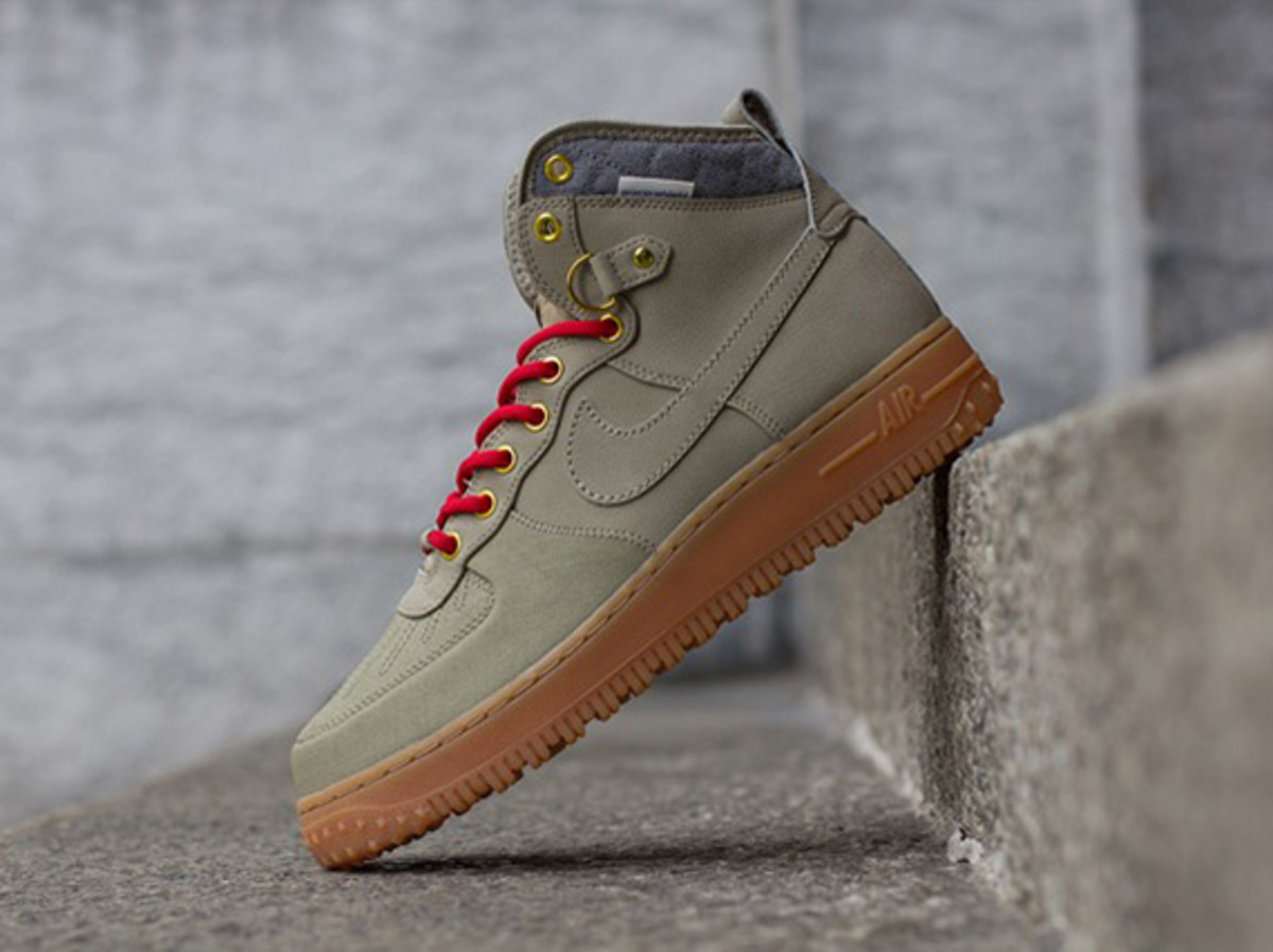 nike-air-force-1-duckboot-october-2013-releases-04