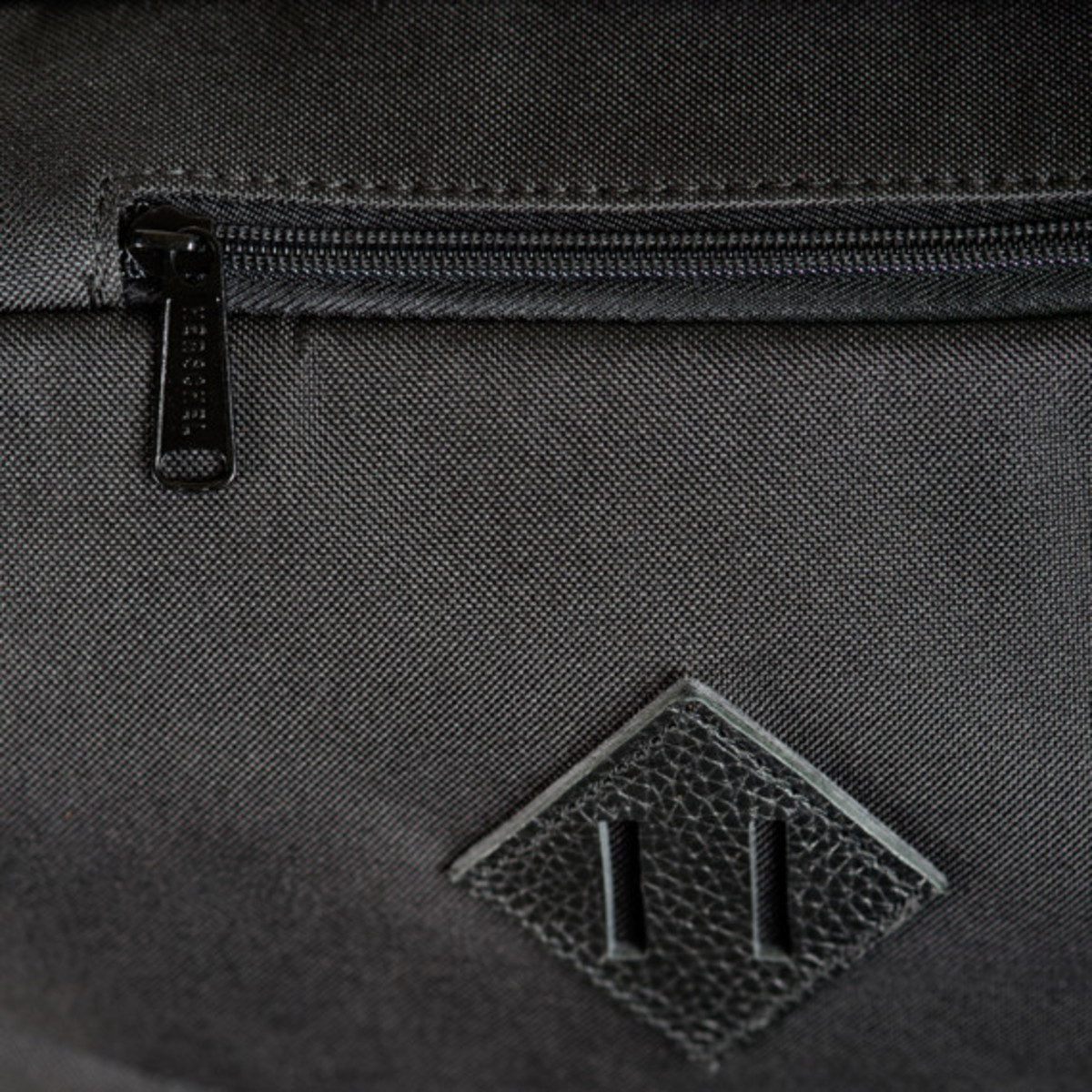 herschel-supply-co-fall-2013-travel-collection-07
