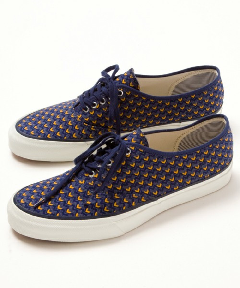 the-hill-side-beauty-and-youth-5-eyelet-sneakers-09