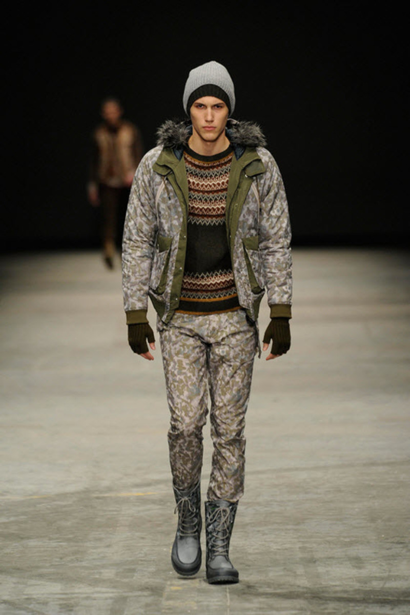 white-mountaineering-fallwinter-2013-collection-runway-show-1