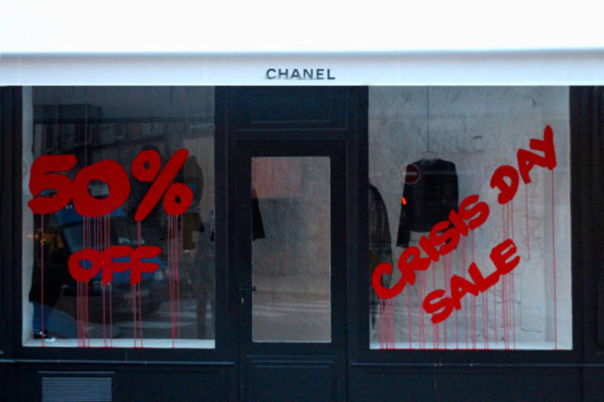 kidadult-bombs-chanel-storefront-in-paris-02