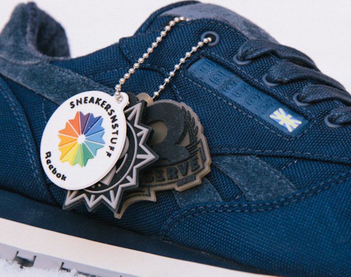 sneakersnstuff-reebok-classic-leather-30th-anniversary-edition-v47079-01
