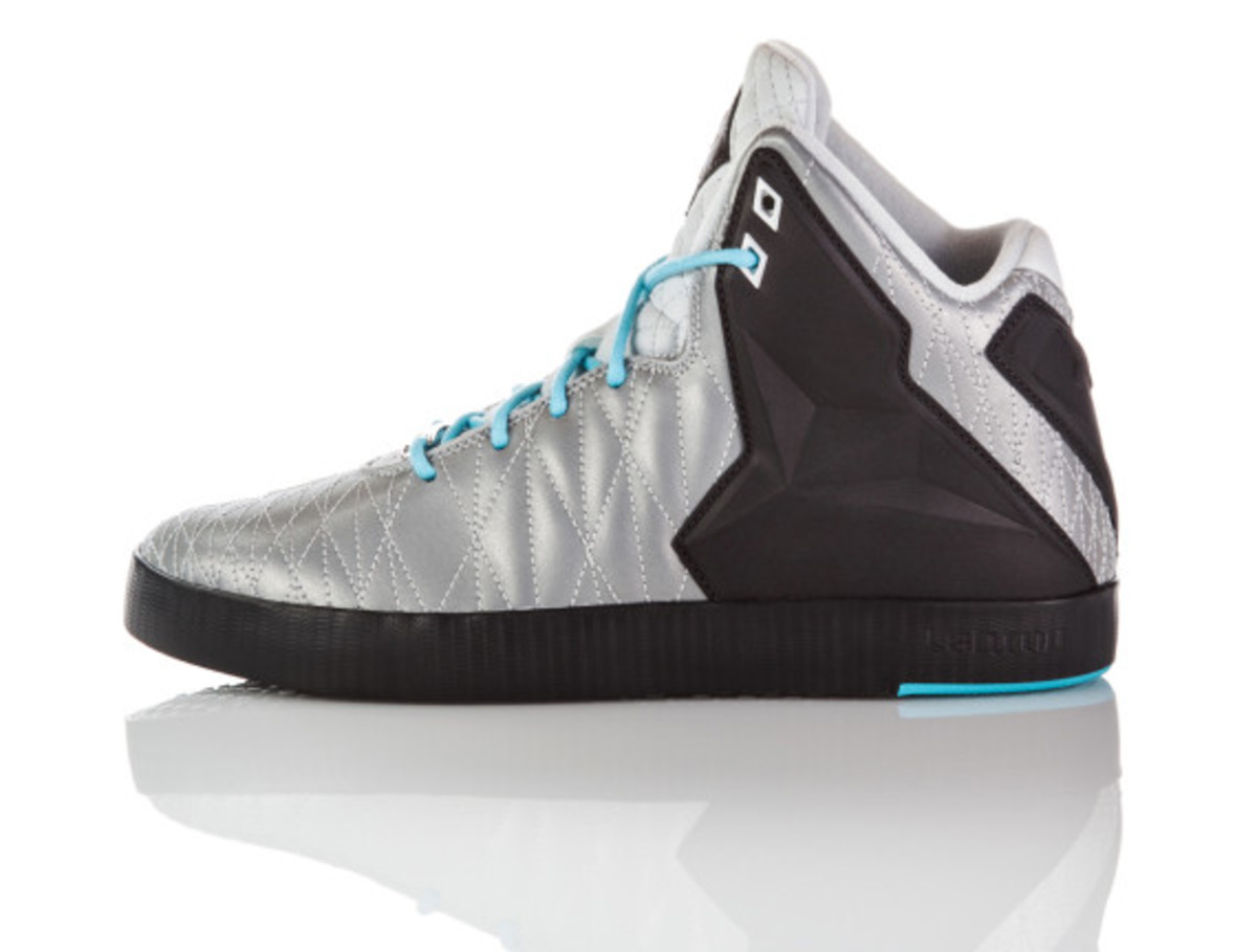 nike-lebron-11-lifestyle-officially-unveiled-13