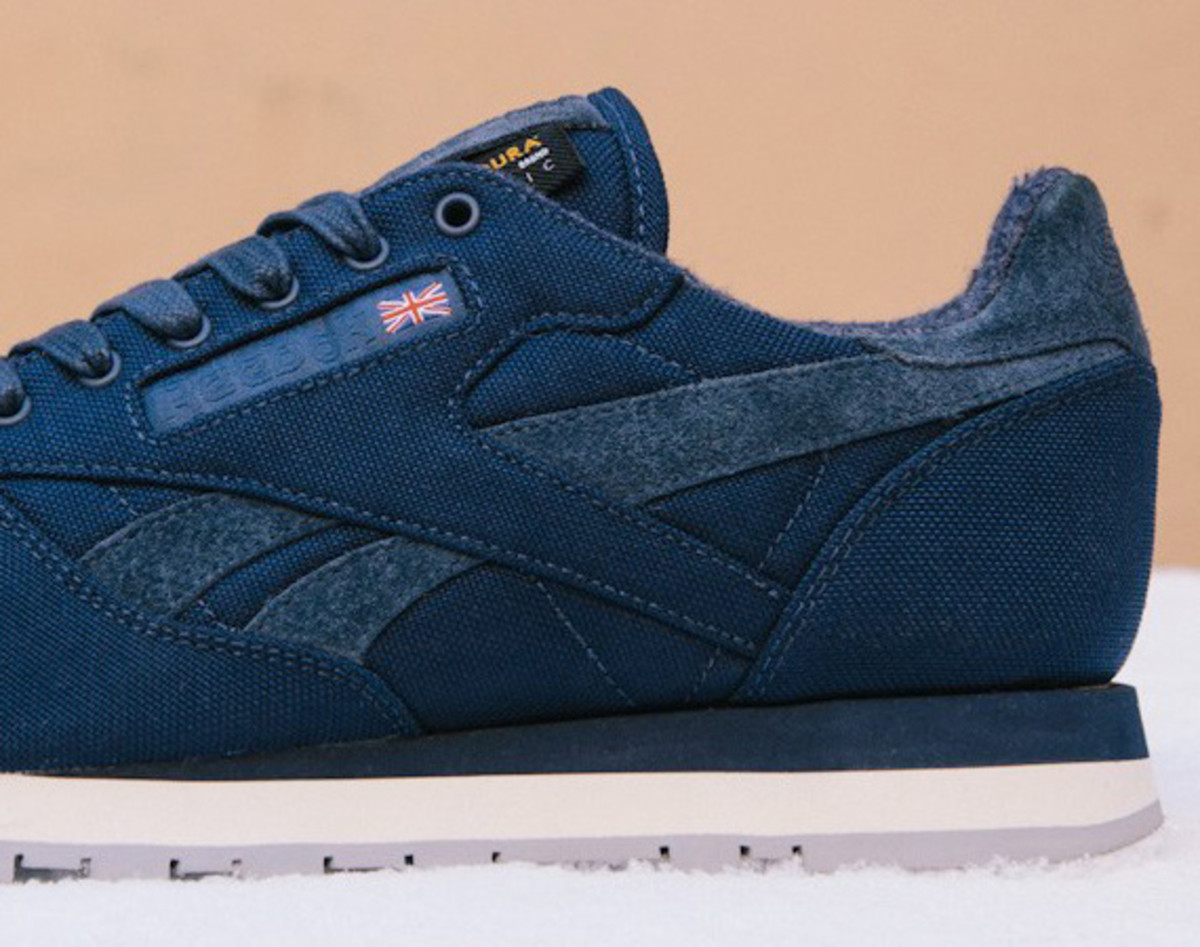 sneakersnstuff-reebok-classic-leather-30th-anniversary-edition-v47079-03