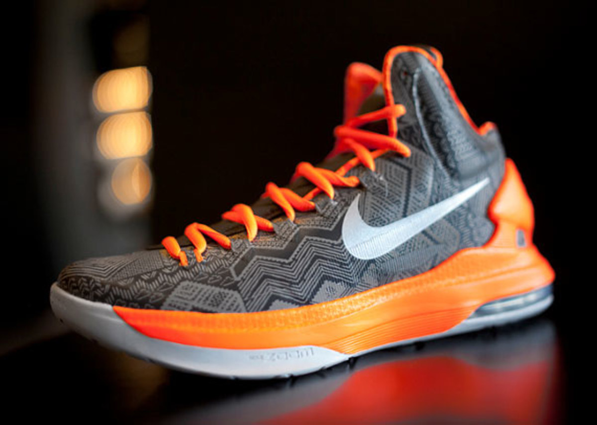 nike-black-history-month-collection-release-reminder-05