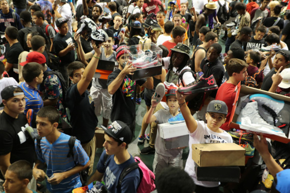 sneaker-con-miami-october-2013-075