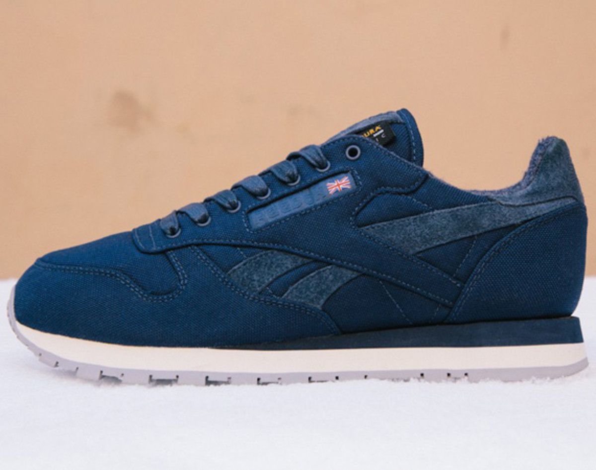 sneakersnstuff-reebok-classic-leather-30th-anniversary-edition-v47079-02