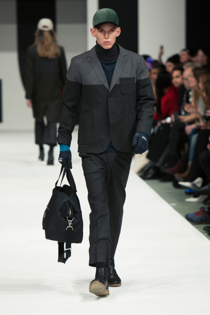 wood-wood-fall-winter-2013-collection-runway-show-04