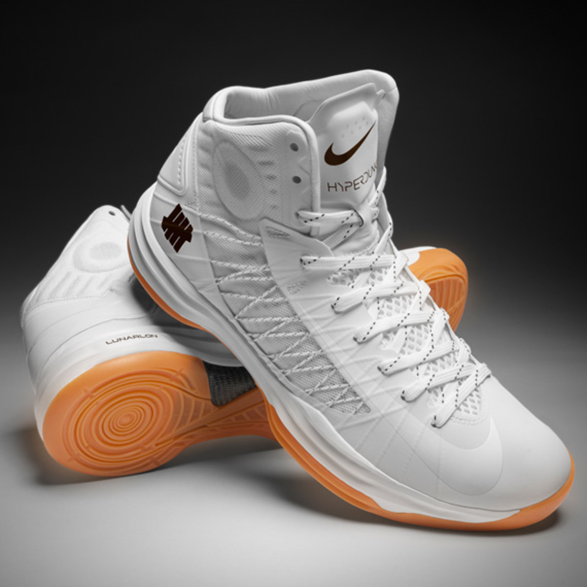 undefeated-nike-hyperdunk-2012-bring-back-pack-collection-officially-unveiled-05