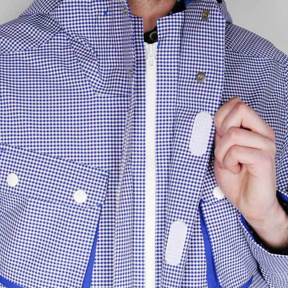 white-mountaineering-gingham-check-hood-parka-jacket-07