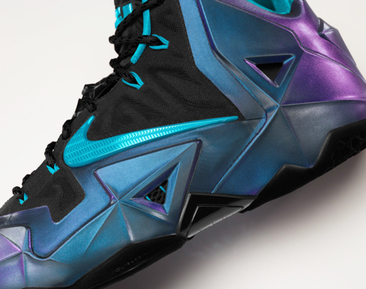 nike-lebron-11-id-available-now-01