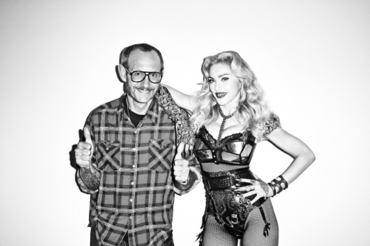 terry-richardson-madonna-photo-session-for-harpers-bazaar-02