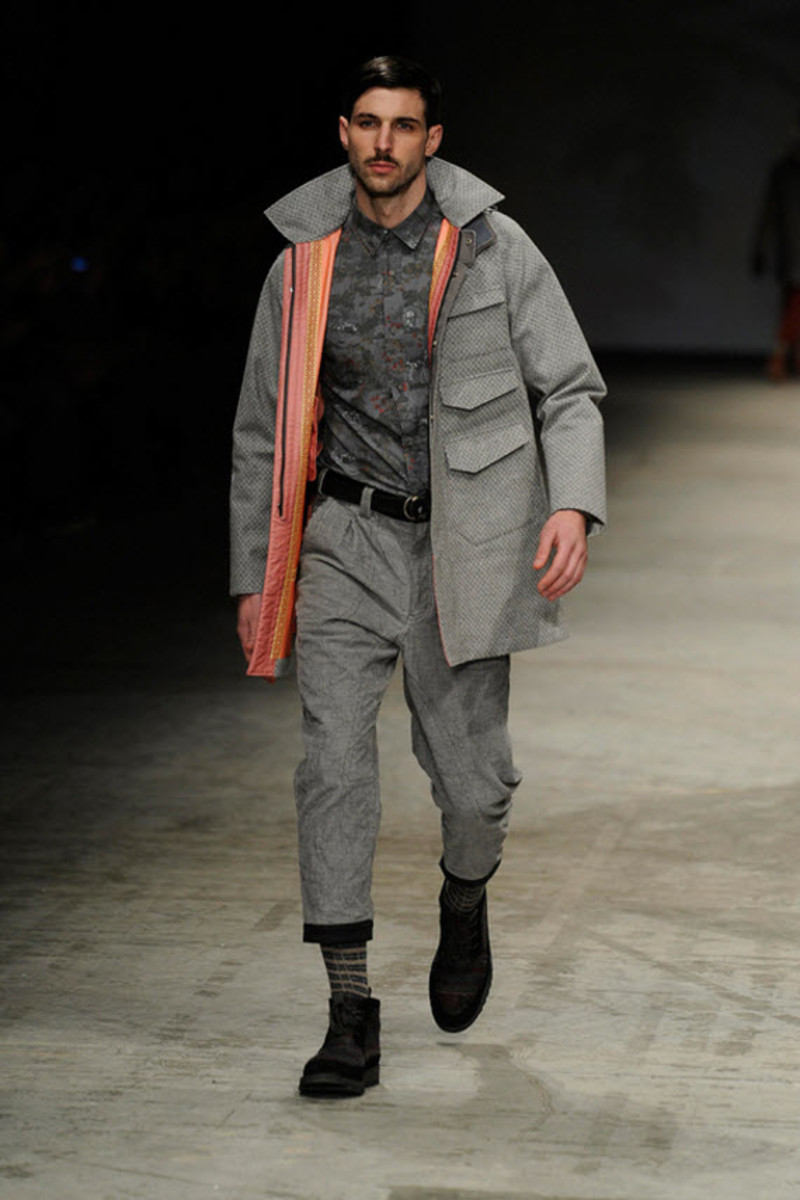 white-mountaineering-fallwinter-2013-collection-runway-show-7