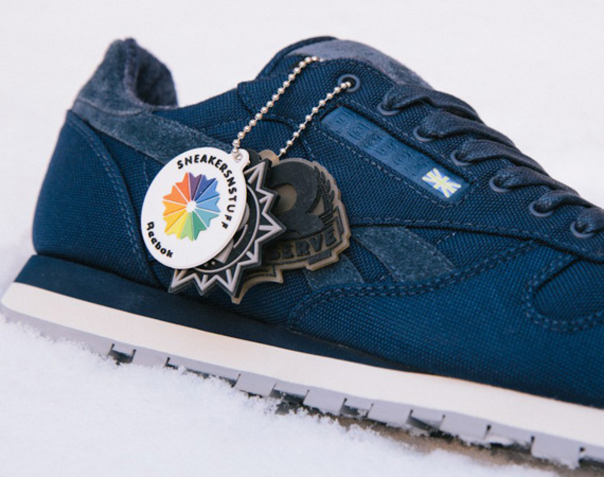sneakersnstuff-reebok-classic-leather-30th-anniversary-edition-v47079-05
