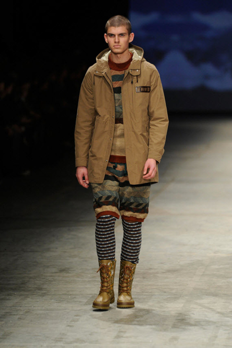white-mountaineering-fallwinter-2013-collection-runway-show-6