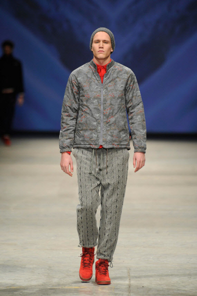 white-mountaineering-fallwinter-2013-collection-runway-show-10