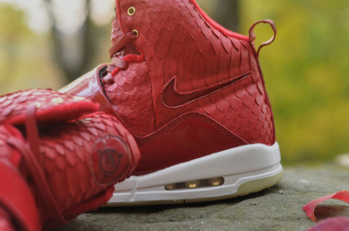 red-october-nike-air-yeezy-1-customs-by-jb-customs-10