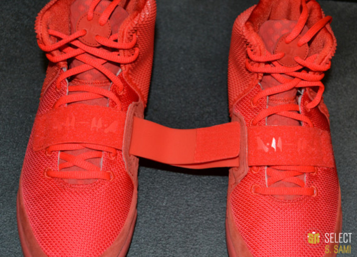 nike-air-yeezy-2-red-october-detailed-look-11