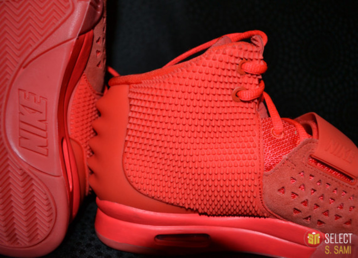 nike-air-yeezy-2-red-october-detailed-look-42