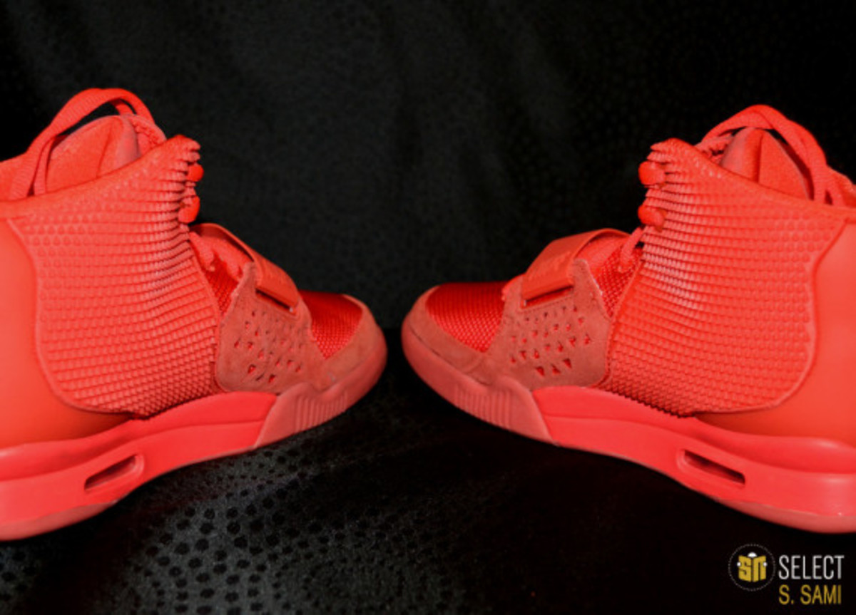 nike-air-yeezy-2-red-october-detailed-look-16