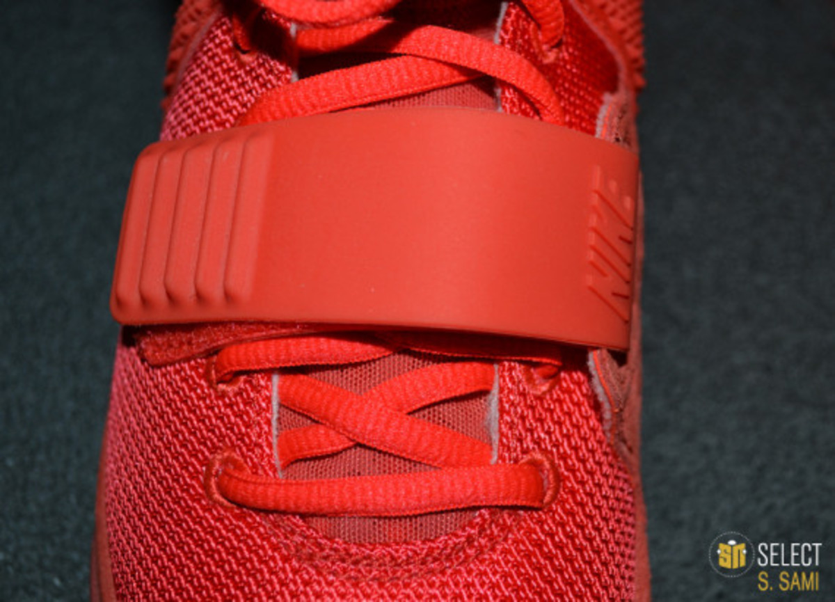 nike-air-yeezy-2-red-october-detailed-look-30