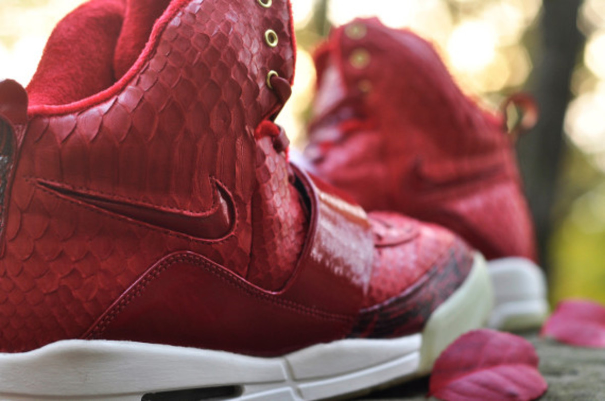 red-october-nike-air-yeezy-1-customs-by-jb-customs-11