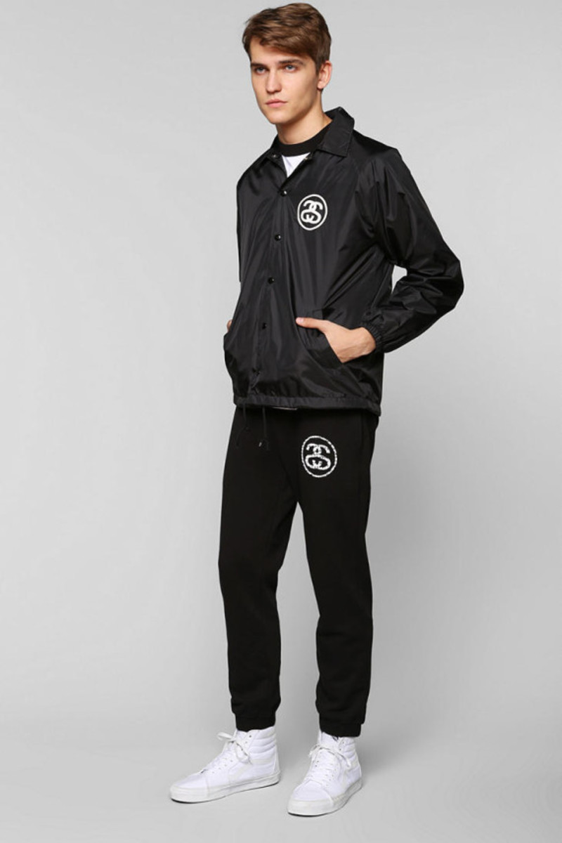 stussy-croc-coaches-jacket-urban-outfitters-exclusive-04