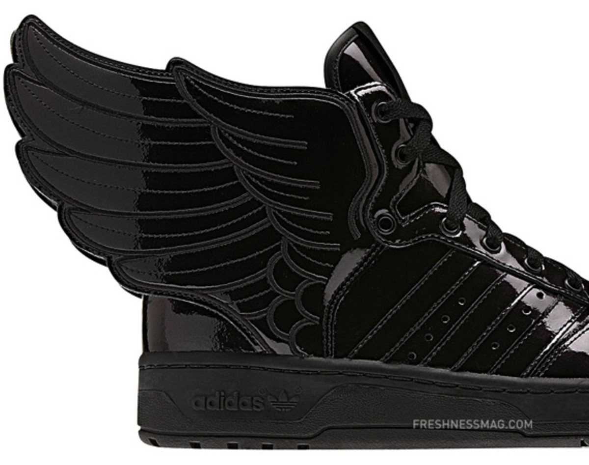 adidas-originals-jeremy-scott-js-wings-2-0-patent-leather-q23668-00