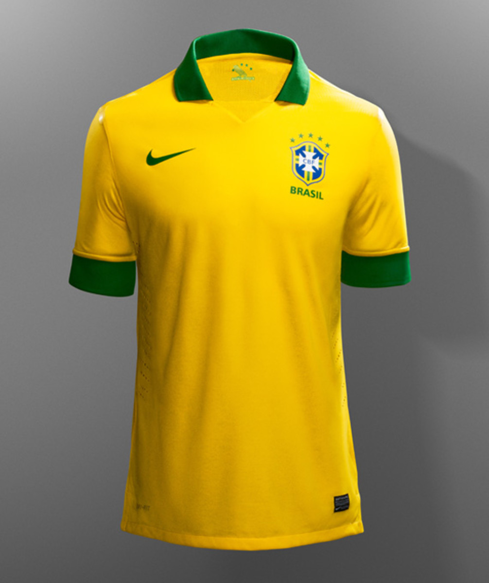 nike-soccer-2013-2014-brazil-national-football-team-kit-neymer-14