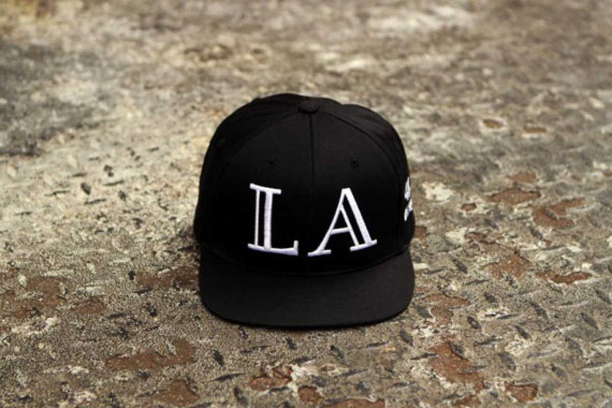 40oznyc-givenchy-and-balmain-inspired-snapback-caps-13