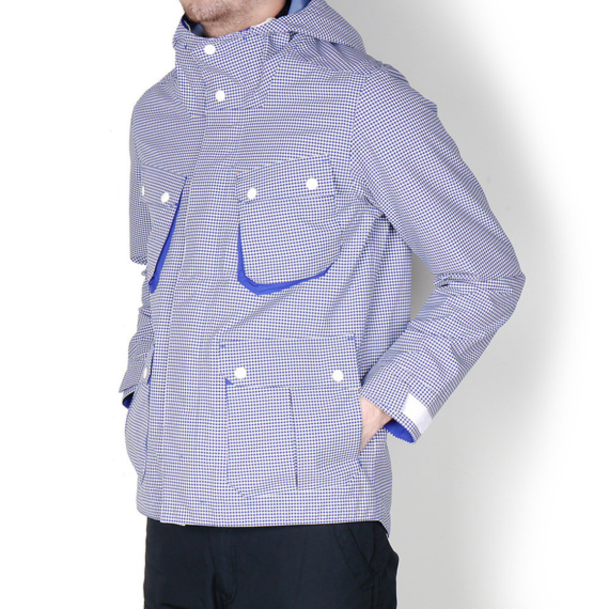 white-mountaineering-gingham-check-hood-parka-jacket-03