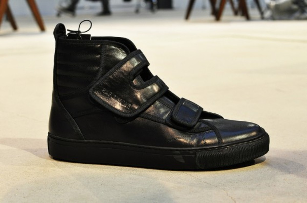 raf-simons-fall-winter-2013-footwear-collection-preview-08