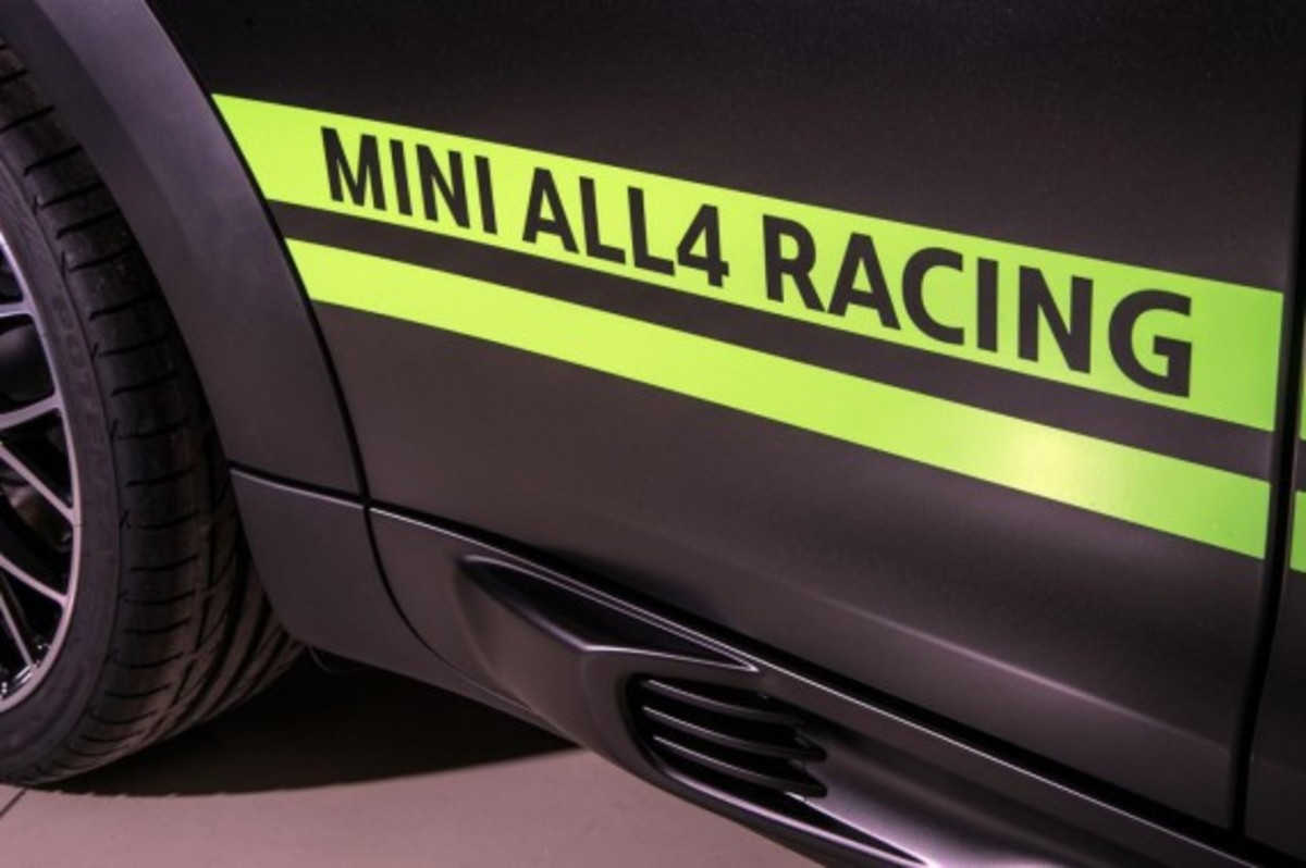 2013-mini-john-cooper-works-countryman-all4-dakar-special-edition-10