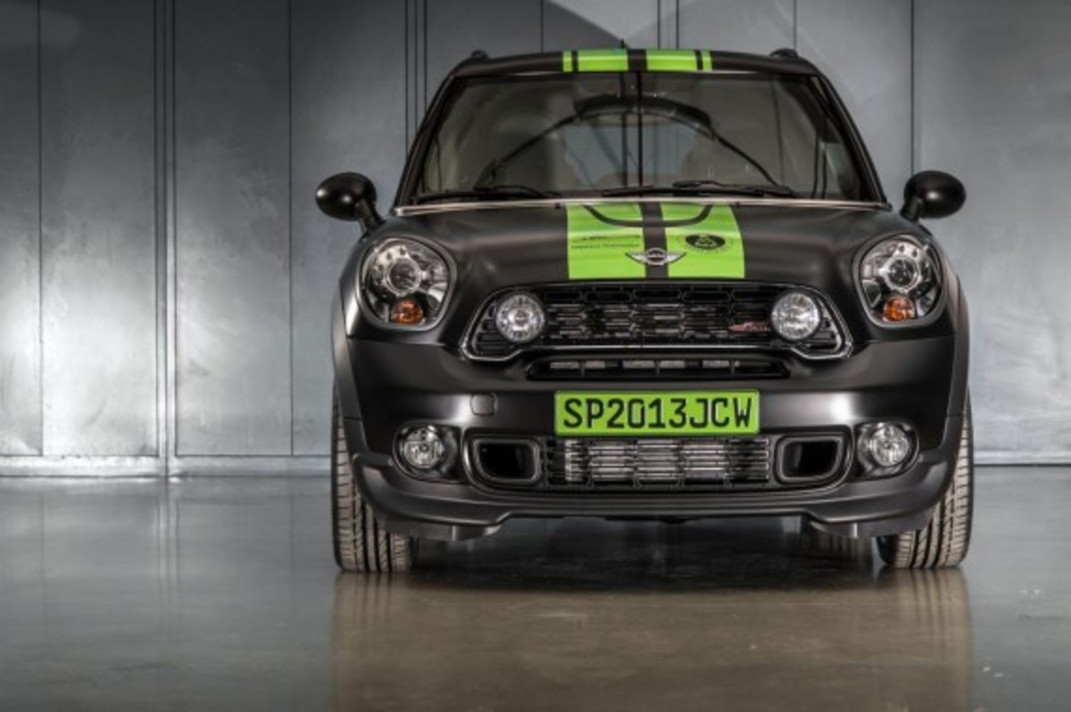 2013-mini-john-cooper-works-countryman-all4-dakar-special-edition-12