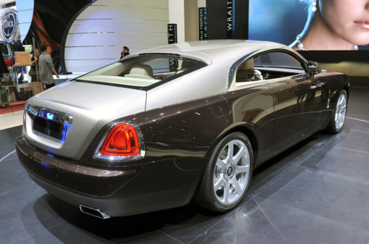 rolls-royce-wraith-official-unveiling-geneva-motor-show-04