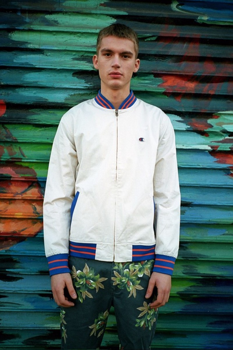 champion-x-urban-outfitters-spring-2013-colleciton-lookbook-10