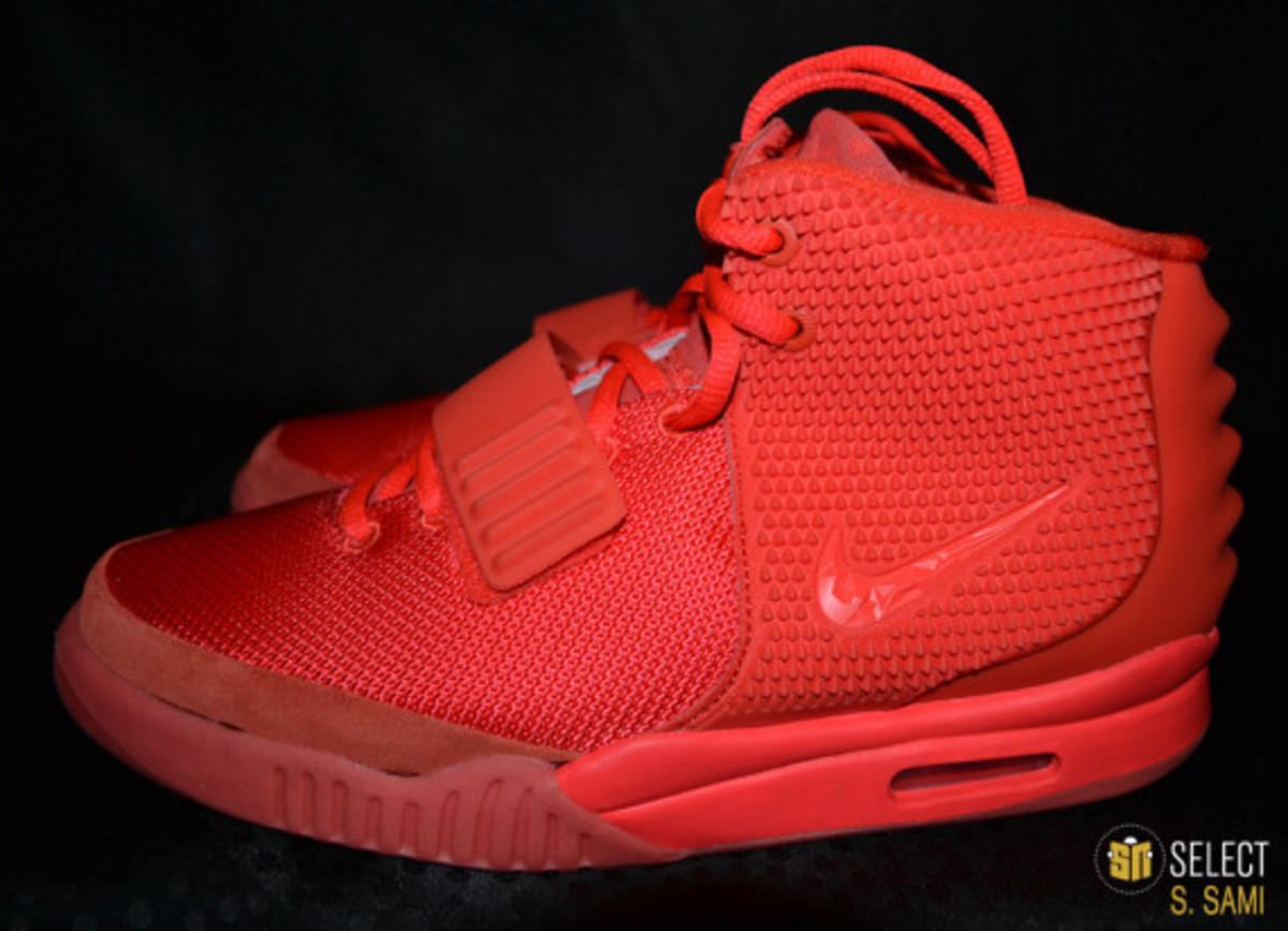 nike-air-yeezy-2-red-october-detailed-look-21