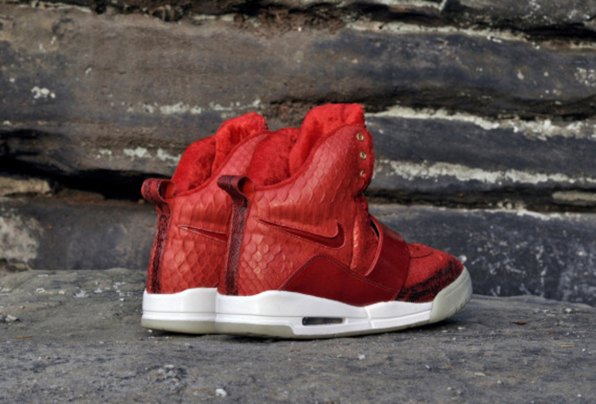 red-october-nike-air-yeezy-1-customs-by-jb-customs-06