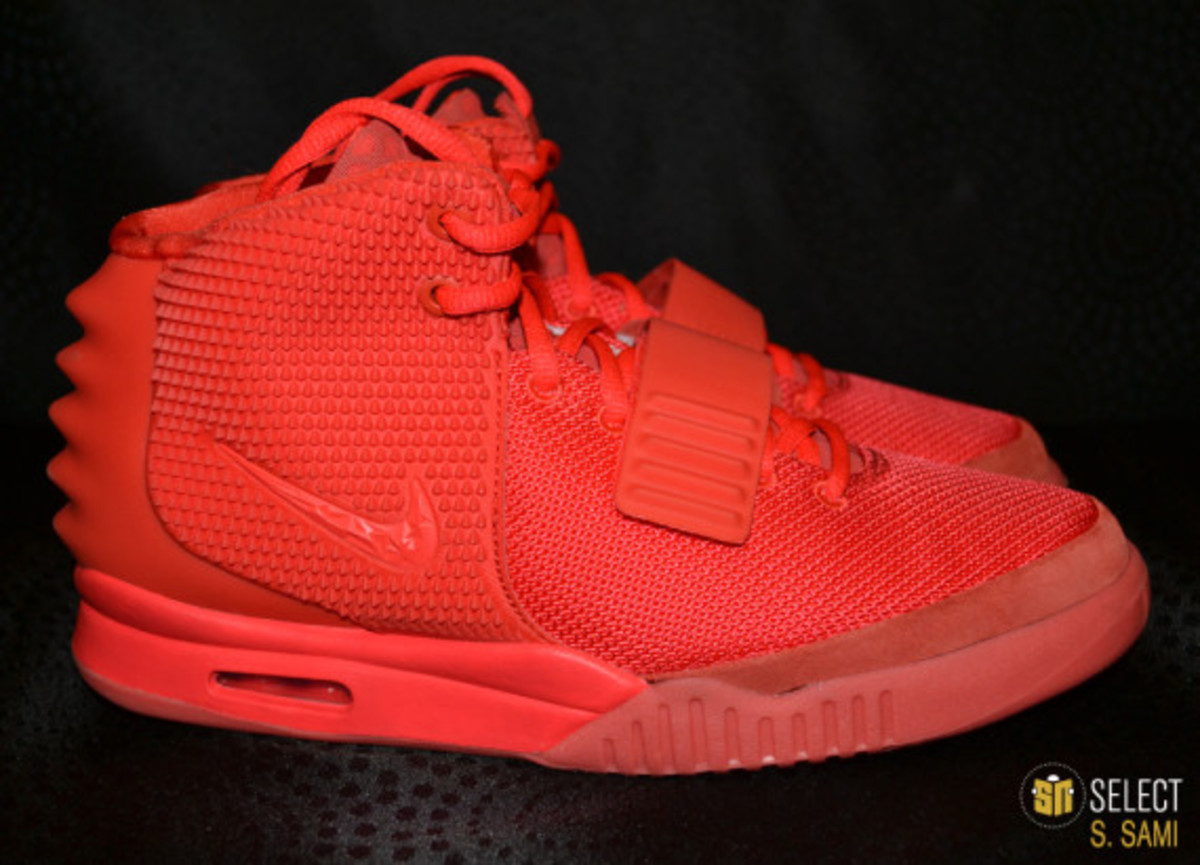 nike-air-yeezy-2-red-october-detailed-look-20