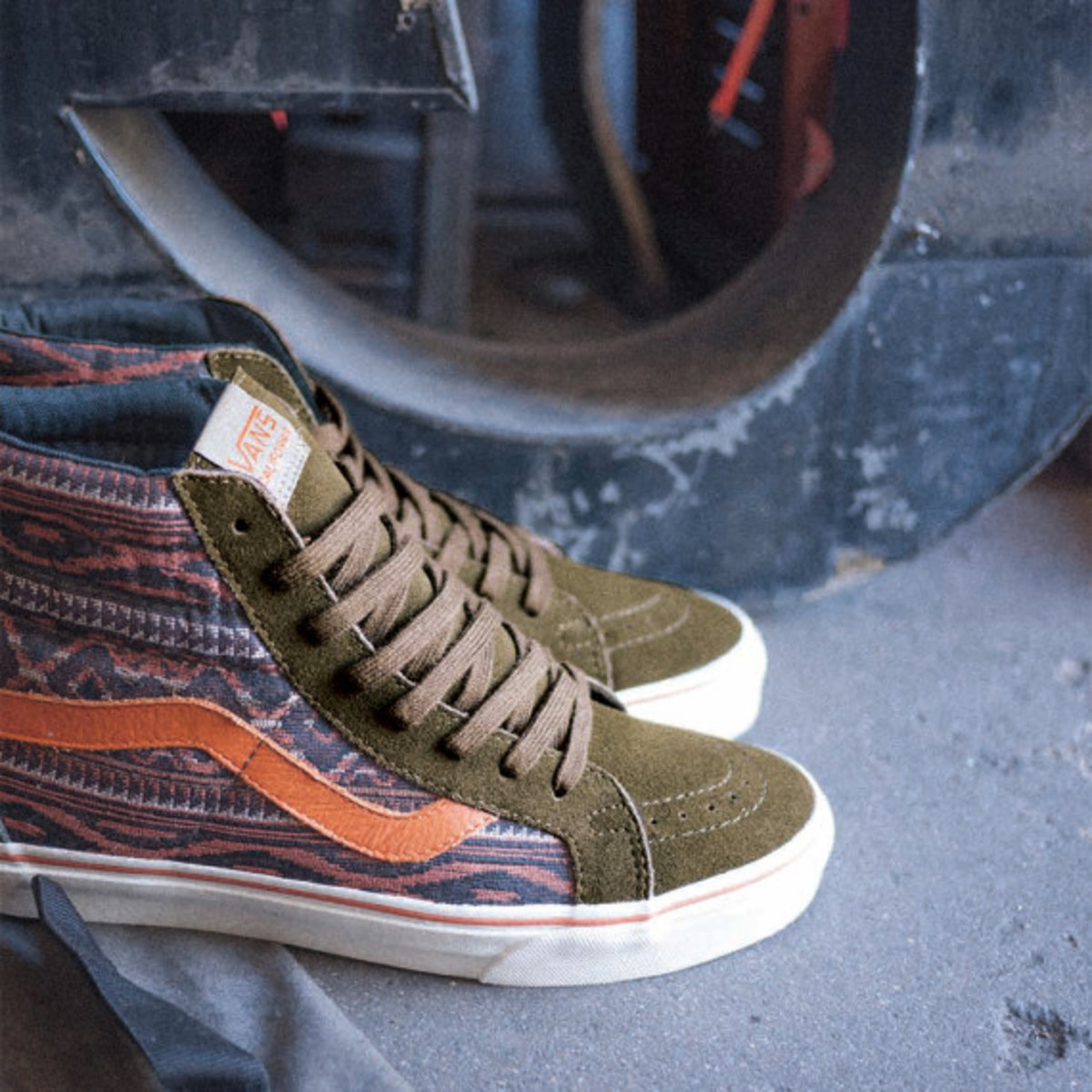 Vans-California-Collection_Sk8-Hi-Reissue_Inca_Holiday-2013