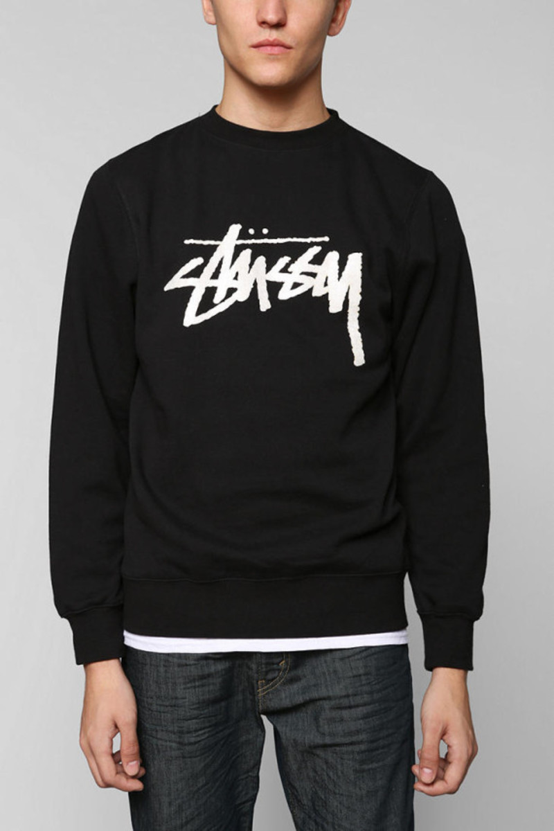 stussy-croc-world-tour-pullover-sweatshirt-urban-outfitters-exclusive-02