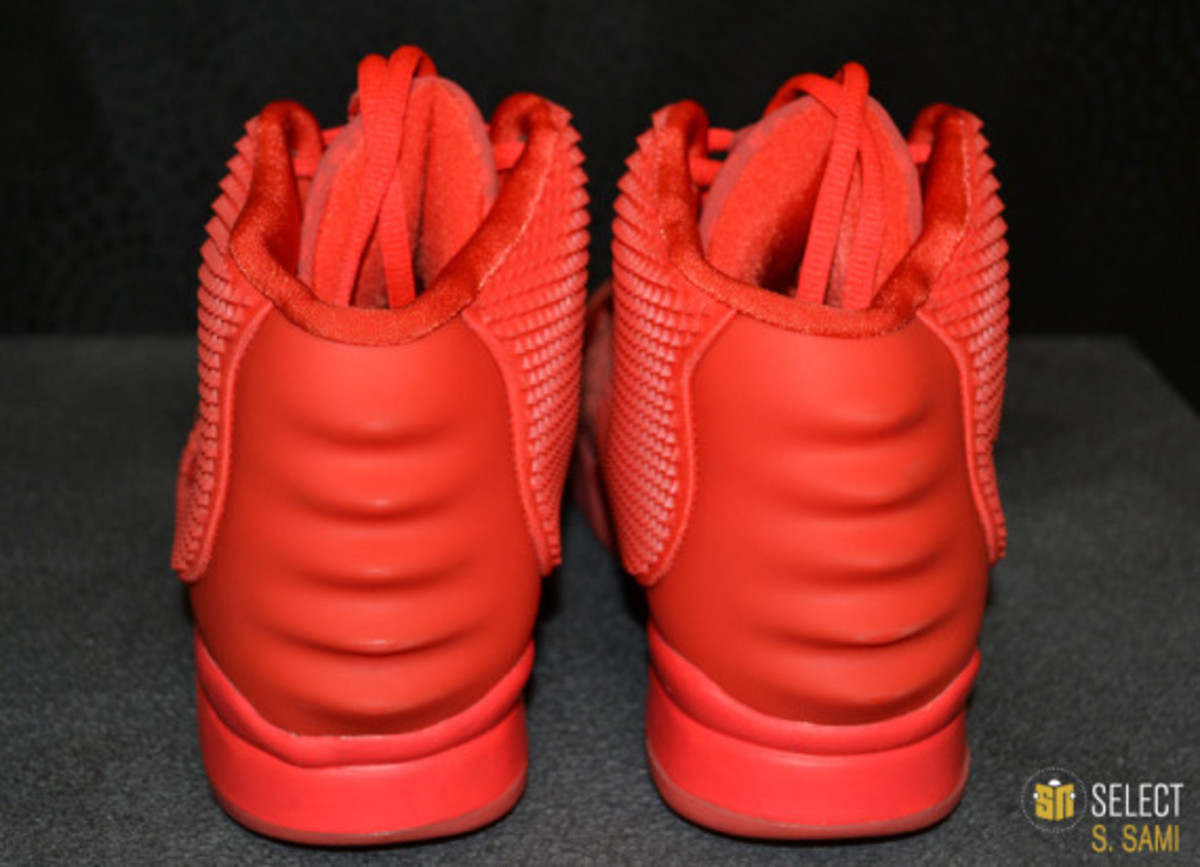 nike-air-yeezy-2-red-october-detailed-look-15
