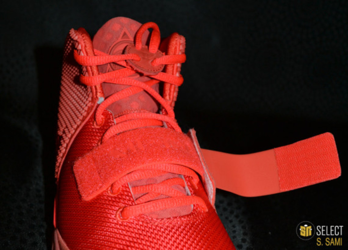 nike-air-yeezy-2-red-october-detailed-look-38