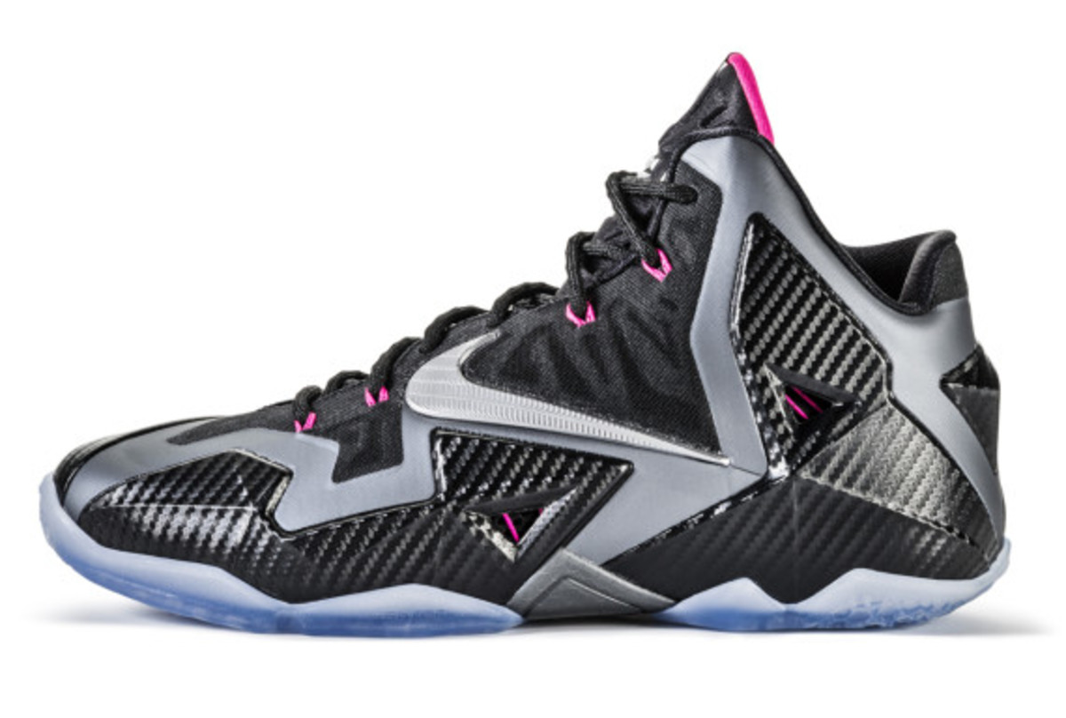 nike-lebron-11-miami-nights-02